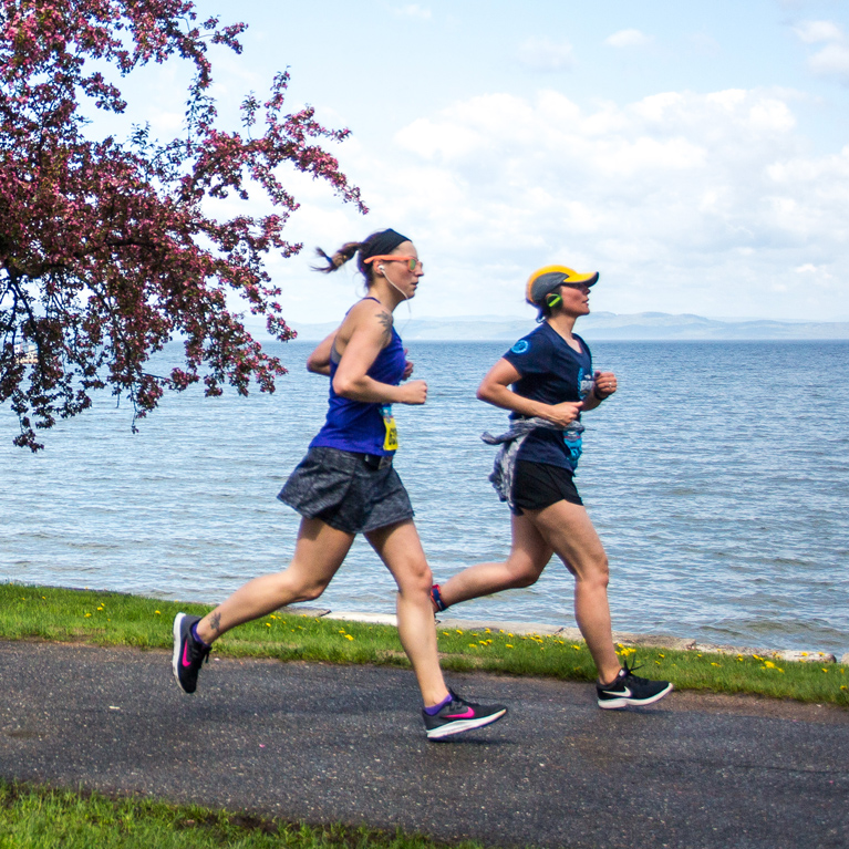 2 Runners along Lake Champlain